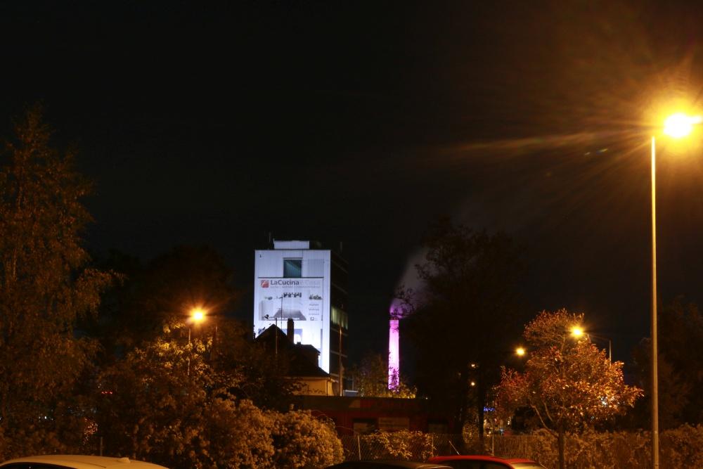 Lichtverschmutzung: Leuchtreklame und Fassadenanstrahlung in Schweinfurt