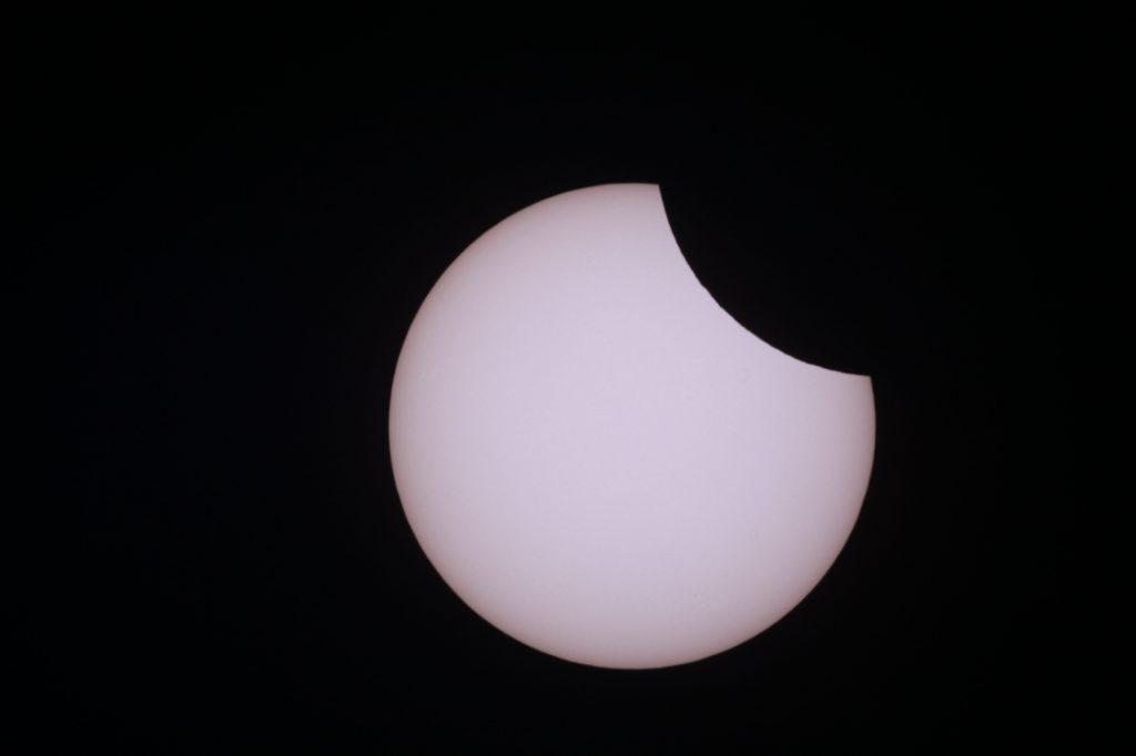 Sonnenfinsternis vom 10.6.2021 Am Höhepunkt der Finsternis war die Sonne von Röthlein aus gesehen zu etwa 10% vom Mond bedeckt.